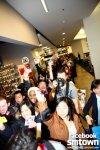 snsd fan sign in new york (9)