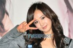 snsd j estina fan sign (2)