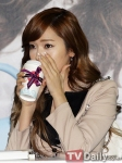 snsd j estina fan sign event (11) (1)