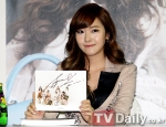 snsd j estina fan sign event (7) (1)