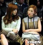 snsd taeyeon tiffany seoul fashion week (14)