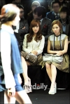 snsd taeyeon tiffany seoul fashion week (19)
