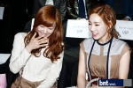 snsd taeyeon tiffany seoul fashion week (2)