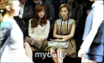 snsd taeyeon tiffany seoul fashion week (22)