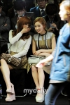 snsd taeyeon tiffany seoul fashion week (23)
