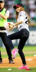 snsd jessical baseball pitch (9)