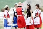 snsd hyoyeon sunny invincible youth 2 filming (1)
