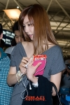 snsd tiffany airport pictures going to thailand (10)