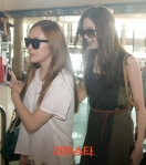 snsd airport pictures going to japan smtown concert (21)