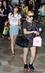 snsd airport pictures going to japan smtown concert (3)