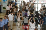 snsd airport pictures going to japan smtown concert (9)