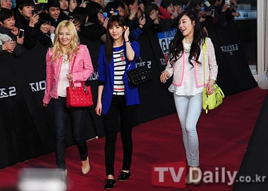 snsd seohyun tiffany hyoyeon gi joe 2 premiere (1)