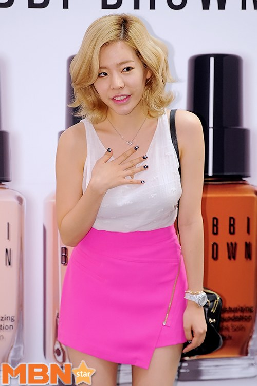 Sunny (and her luscious locks) attending Bobbi Brown ...